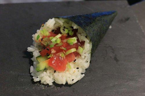 Spicy Maguro Temaki