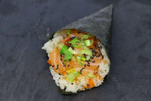 Spicy Sake Temaki