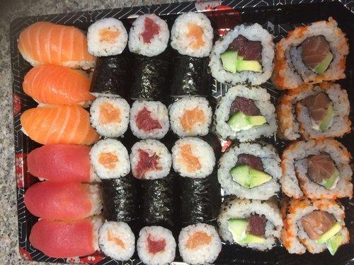 Tuna en Salmon Mix 32 stuks
