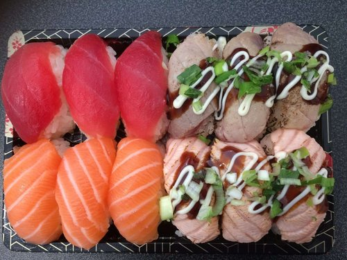 Nigiri Salmon en Tuna 12 stuks